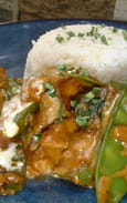 Poulet au curry et pois gourmands