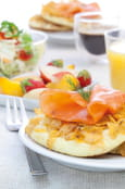 Blinis de corn flakes et saumon fum�