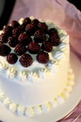 Layer cake chantilly et m�res sauvages