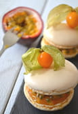 Macarons mangue & passion, fa�on pavlova