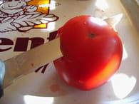 Tomates farcies à la viande et pommes de terre : Etape 1