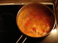 Soupe à la tomate, aux oignons et aux pommes de terre : Etape 4