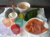 Verrines de crevettes, avocat et saumon fumé : Etape 1
