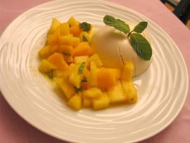 panna cotta au lait de coco salade de mangue ananas la. Black Bedroom Furniture Sets. Home Design Ideas