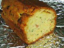 Cake bacon, feta et ciboulette