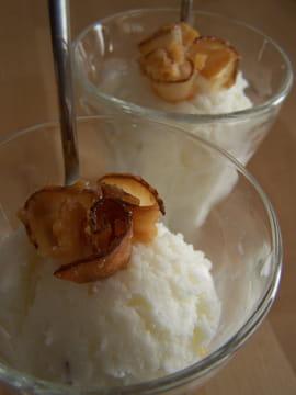 Glace à la noix de coco fraîche
