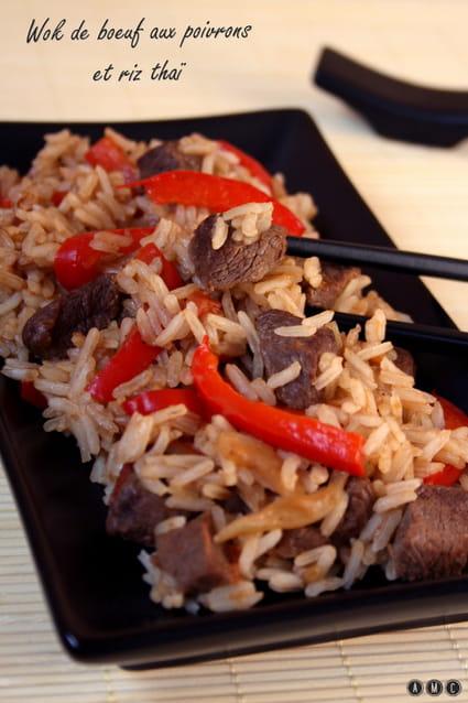 recette de wok de boeuf aux poivrons et riz tha la recette facile. Black Bedroom Furniture Sets. Home Design Ideas