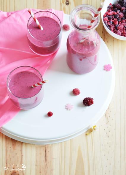 recette smoothie aux fruits rouges milk shake. Black Bedroom Furniture Sets. Home Design Ideas