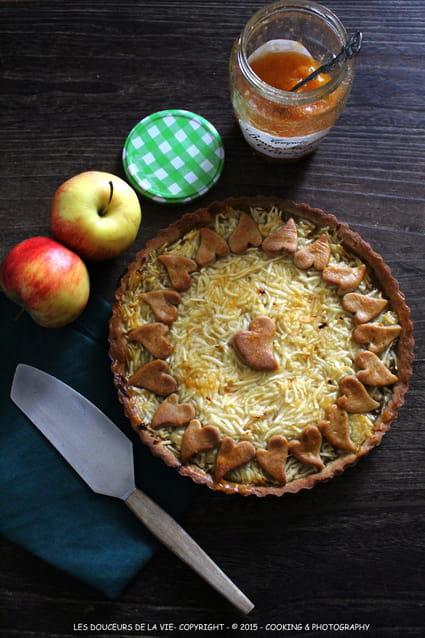 recette de tarte la compote d 39 abricots et pommes r p es la recette facile. Black Bedroom Furniture Sets. Home Design Ideas