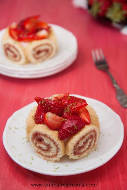 Recette charlotte aux fraises pour 4 personnes - Jeux de charlotte aux fraises cuisine gateaux ...