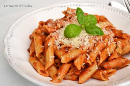 Recette de p te penne la tomate mozzarella et basilic la recette facile - Pate a la mozzarella ...