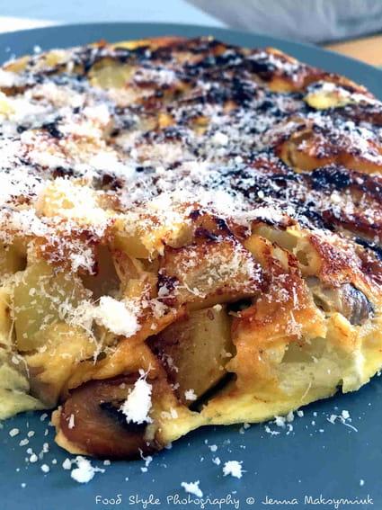 recette omelette pommes de terre et champignons la recette facile. Black Bedroom Furniture Sets. Home Design Ideas
