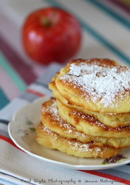 Beignets aux pommes la recette facile - La ferme aux beignets ...