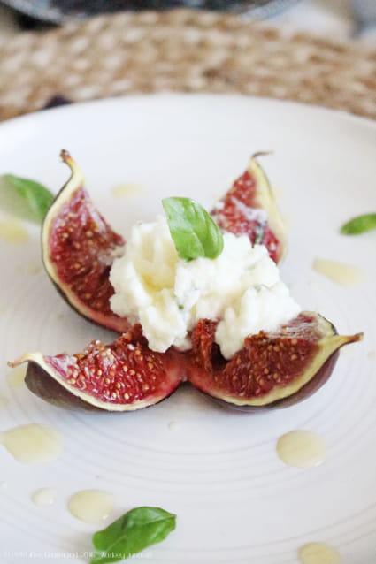 Recette de figues r ties au brocciu et au miel la recette facile - Figues roties au miel ...