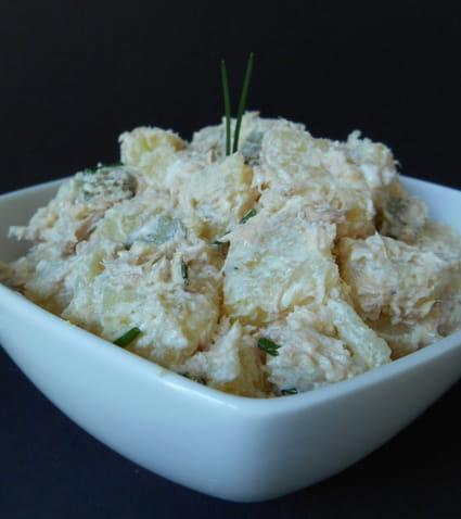recette de salade de pommes de terre au thon la recette facile. Black Bedroom Furniture Sets. Home Design Ideas