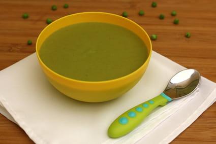 Recette de soupe de brocolis petits pois et fromage frais - Cuisiner des brocolis frais ...
