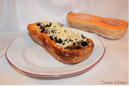 recette de butternut farcie aux champignons olives et feta. Black Bedroom Furniture Sets. Home Design Ideas
