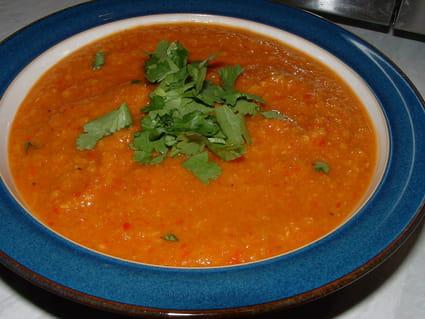 Velouté de tomates, pommes de terre et carotte