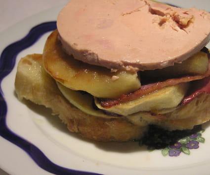 Magret de canard fumé au foie gras