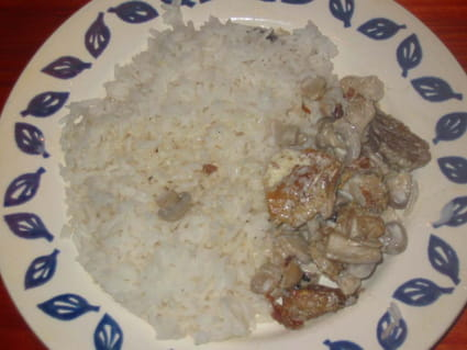 Poulet à la crème, oignon et champignons