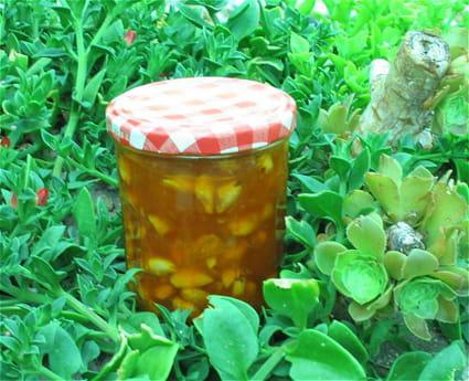 Confiture d'abricots aux amandes