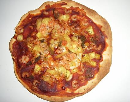 Pizza exotique aux crevettes, ananas et poivron vert