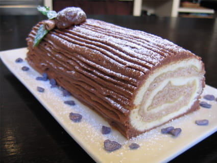 Bûche de Noël chocolat et crème aux marrons