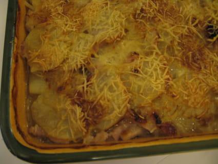 Gratin de pommes de terre, oignons et lardons