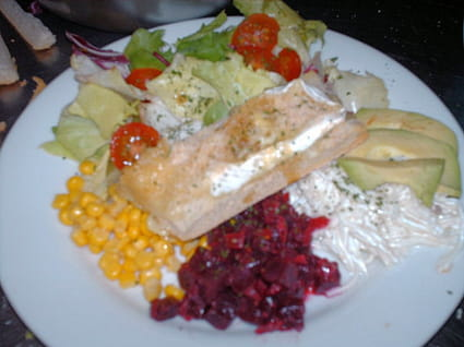 Salade au brie chaud