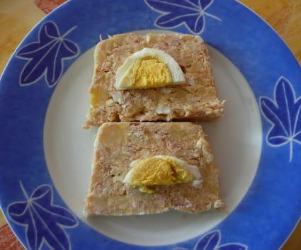 Terrine de thon, pommes de terre et œuf durs