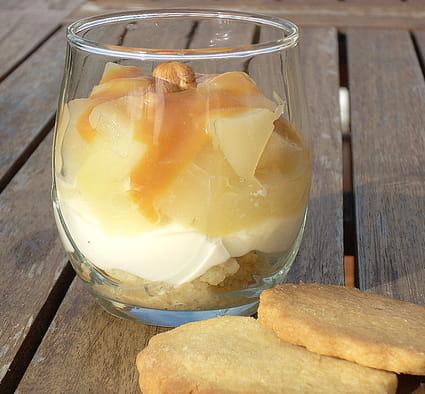 recette de verrine de poires cr me caramel au beurre sal la recette facile. Black Bedroom Furniture Sets. Home Design Ideas