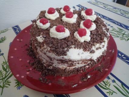 For t noire traditionnelle la recette facile - Herve cuisine foret noire ...