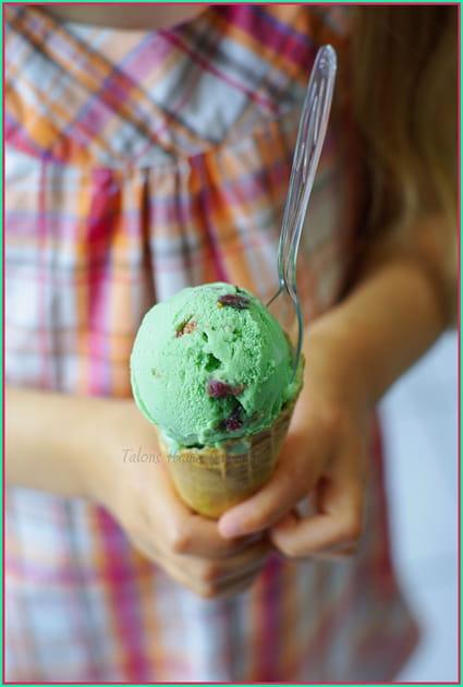 recette de glace la pistache et figues au pineau la recette facile. Black Bedroom Furniture Sets. Home Design Ideas