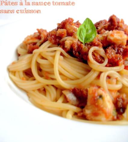 recette de p tes la sauce tomate sans cuisson la. Black Bedroom Furniture Sets. Home Design Ideas