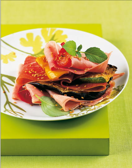Millefeuille de jambons cuit et sec, légumes