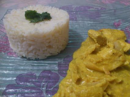 Recette de blancs de poulet au curry lait de coco et gingembre la recette facile - Poulet au curry et lait de coco ...