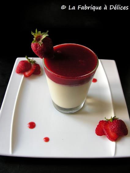 recette de panna cotta aux fraises la recette facile. Black Bedroom Furniture Sets. Home Design Ideas