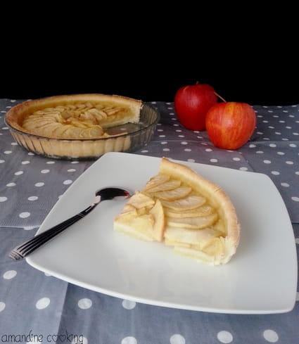 recette de tarte aux pommes sur lit de compote la recette facile. Black Bedroom Furniture Sets. Home Design Ideas