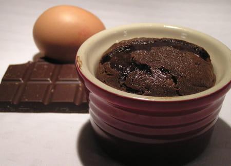 petits fondants au chocolat en ramequin la recette facile. Black Bedroom Furniture Sets. Home Design Ideas