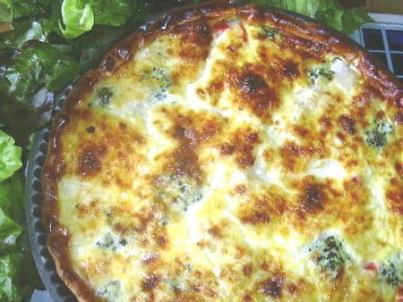 Tarte au poulet et aux brocolis la recette facile - Cuisiner des brocolis frais ...