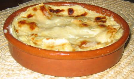 gratin de raviolis frais 224 la cr 232 me d ail la recette facile