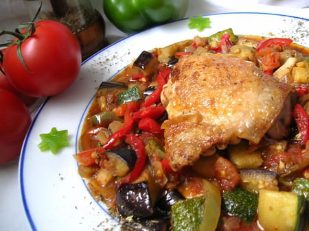 Poulet en ratatouille la recette facile - Cuisiner la ratatouille ...
