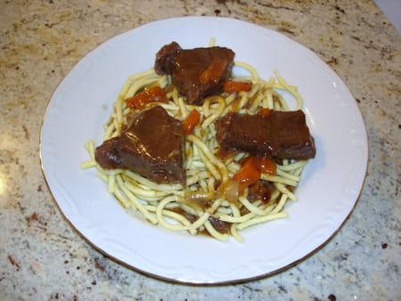 B uf bourguignon express la recette facile - Cuisiner le boeuf bourguignon ...