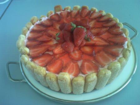 Charlotte aux fraises et menthe la recette facile - Jeux de charlotte aux fraises cuisine gateaux ...