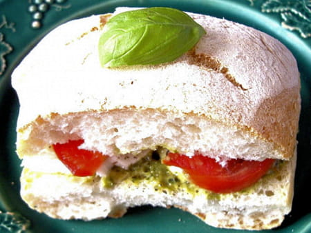Ciabatta tomate mozzarella la recette facile - Cuisiner la mozzarella ...