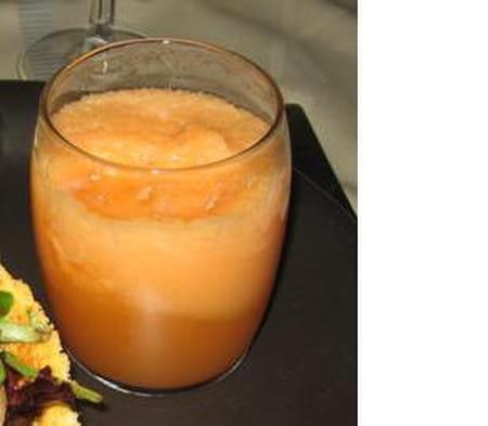 verrines de soupe de melon anis e la recette facile. Black Bedroom Furniture Sets. Home Design Ideas