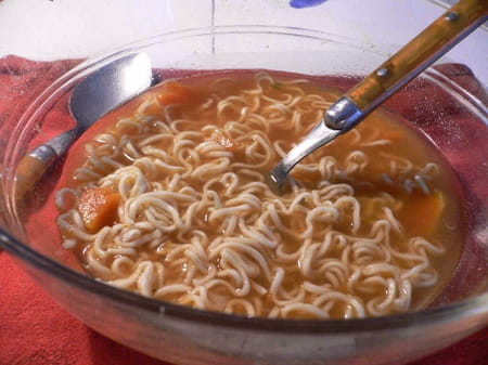 Soupe de potiron au curry et au lait de coco la recette - Soupe potiron lait de coco curry ...