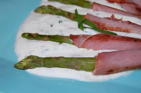 asperges vertes au bacon sauce la ciboulette la recette facile. Black Bedroom Furniture Sets. Home Design Ideas