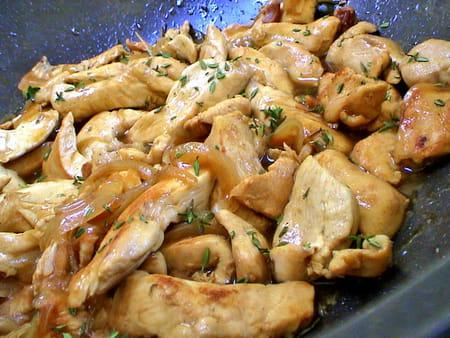 Eminc de poulet au mad re la recette facile - Cuisiner aiguillette de poulet ...