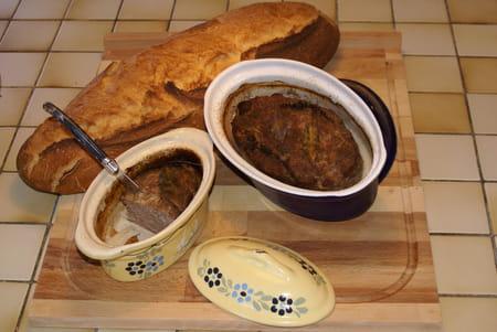 Des femmes > cuisiner > entrée > terrine, pâté > terrine maison